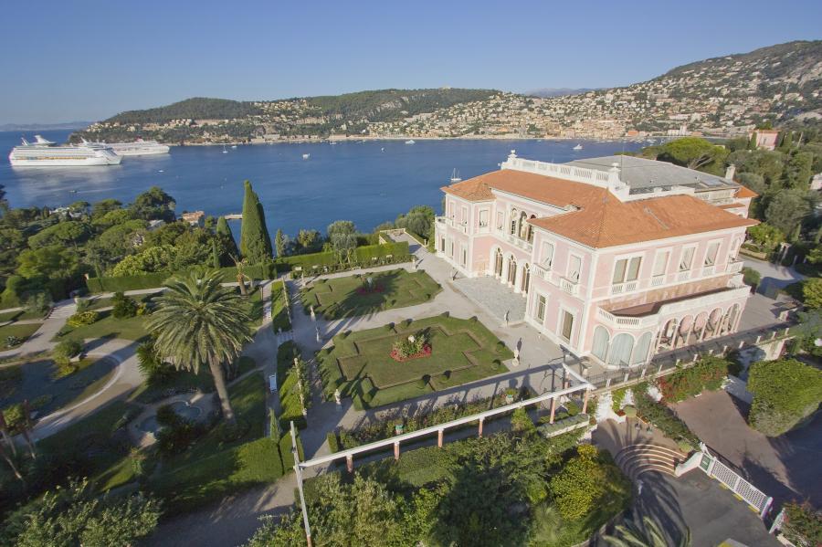 French villa sightseeing ideas mccarthyfamilyvacations for Jardin villa thuret