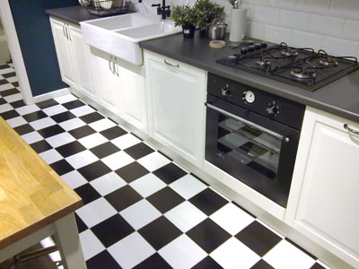 traditional_country_style_ceramic_tile_checkered